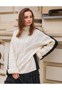 BY CABO - Sweter Feniks. Kolor: czarny. Materiał: jeans, bawełna. Wzór: ze splotem. Sezon: zima. Styl: klasyczny