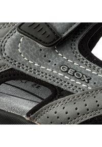 Szare sandały Geox na lato