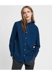 GANT - Niebieska koszula w kratę. Kolor: niebieski. Materiał: bawełna, jeans. Długość rękawa: długi rękaw. Długość: długie. Wzór: haft. Sezon: zima, jesień. Styl: klasyczny