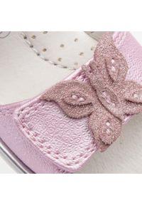Różowe sandały Lelli Kelly na lato