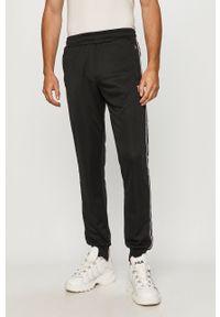 Czarne spodnie dresowe Fila z aplikacjami