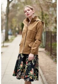 Marie Zélie - Kurtka Estel bawełna kamelowa. Materiał: bawełna. Długość: krótkie. Sezon: lato