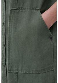 Superdry - Sukienka. Okazja: na co dzień. Kolor: zielony. Materiał: włókno, tkanina, materiał. Długość rękawa: długi rękaw. Typ sukienki: proste. Styl: casual