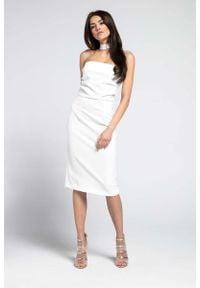 Sukienka wizytowa Nommo elegancka, z odkrytymi ramionami