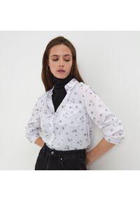 Sinsay - Koszula z nadrukiem - Biały. Kolor: biały. Wzór: nadruk