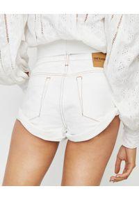 ONETEASPOON - Spodenki Bandits White Beauty. Stan: obniżony. Kolor: biały. Materiał: bawełna, jeans. Wzór: aplikacja. Sezon: lato. Styl: boho