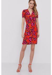 Morgan - Sukienka. Okazja: na co dzień. Kolor: pomarańczowy. Materiał: tkanina. Typ sukienki: proste. Styl: casual #1