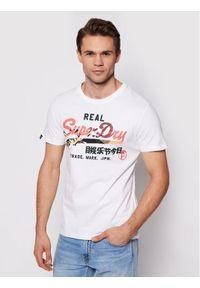 Superdry T-Shirt Vl Itago Tee M1011004A Biały Regular Fit. Kolor: biały
