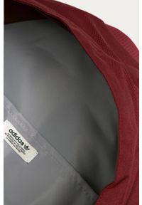 Czerwony plecak adidas Originals z nadrukiem