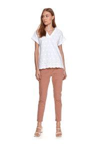 Biała bluzka TOP SECRET z haftami