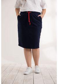 Niebieska spódnica Moda Size Plus Iwanek krótka, biznesowa