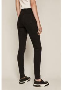 Czarne jeansy medicine z podwyższonym stanem