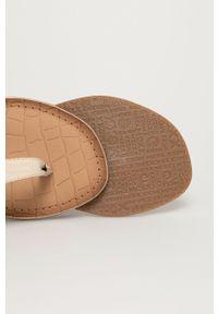 MEXX - Mexx - Sandały skórzane. Zapięcie: klamry. Kolor: biały. Materiał: skóra. Wzór: gładki. Obcas: na obcasie. Wysokość obcasa: niski