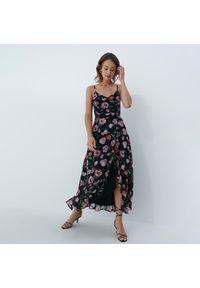 Mohito - Sukienka w kwiaty maxi - Wielobarwny. Wzór: kwiaty. Długość: maxi