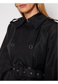 Guess Trencz Peggy W1RL00 WDO40 Czarny Regular Fit. Kolor: czarny