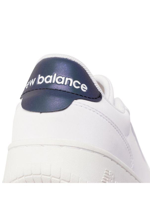 Białe trampki New Balance z cholewką