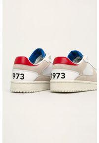 Białe sneakersy Pepe Jeans na sznurówki, z okrągłym noskiem, z cholewką