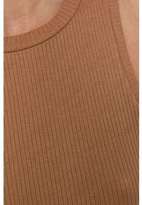 Vero Moda - Sukienka. Kolor: brązowy. Materiał: dzianina, materiał, bawełna. Wzór: gładki. Typ sukienki: dopasowane
