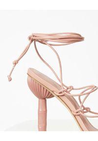 CULT GAIA - Różowe sandały Soleil. Zapięcie: pasek. Kolor: różowy, fioletowy, wielokolorowy. Materiał: materiał. Wzór: paski. Sezon: lato. Obcas: na obcasie. Wysokość obcasa: wysoki