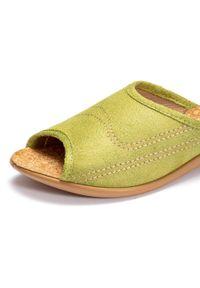 Zielone kapcie Befado