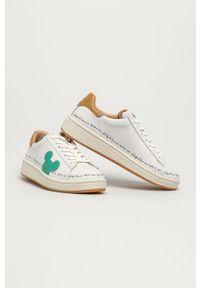 Białe sneakersy MOA Concept na obcasie, na niskim obcasie, z okrągłym noskiem, z cholewką