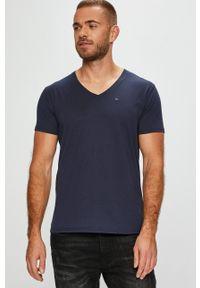 Tommy Jeans - T-shirt. Okazja: na co dzień. Kolor: niebieski. Materiał: dzianina. Styl: casual
