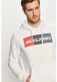 Jack & Jones - Bluza bawełniana. Okazja: na co dzień. Typ kołnierza: kaptur. Kolor: biały. Materiał: bawełna. Wzór: nadruk. Styl: casual #2