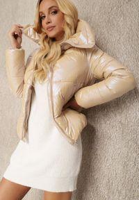 Renee - Beżowa Kurtka Ariesania. Typ kołnierza: golf. Kolor: beżowy. Materiał: tkanina. Długość rękawa: długi rękaw. Długość: długie. Styl: klasyczny