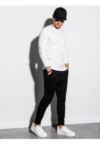 Biała koszulka z długim rękawem Ombre Clothing