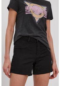 Jacqueline de Yong - Szorty jeansowe. Okazja: na co dzień. Kolor: czarny. Materiał: jeans. Wzór: gładki. Styl: casual