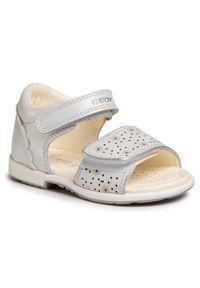 Białe sandały Geox na lato