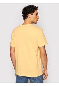 Wrangler T-Shirt Cowboy W7AVGFA11 Pomarańczowy Regular Fit. Kolor: pomarańczowy