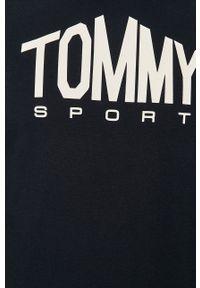 Tommy Sport - Bluza. Okazja: na co dzień. Kolor: niebieski. Materiał: dzianina. Długość rękawa: raglanowy rękaw. Wzór: nadruk. Styl: sportowy