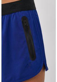 4f - 4F - Szorty. Okazja: na co dzień. Kolor: niebieski. Materiał: tkanina, włókno. Wzór: gładki. Styl: casual