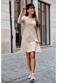 Lemoniade - Trapezowa Sukienka z Imitacją Kieszeni - Bezowa. Materiał: bawełna, elastan. Typ sukienki: trapezowe