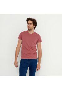 House - Koszulka z dekoltem w serek basic - Różowy. Typ kołnierza: dekolt w serek. Kolor: różowy