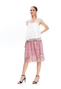 TOP SECRET - Koronkowa bluzka damska. Kolor: biały. Materiał: koronka. Wzór: ażurowy, koronka. Sezon: lato, wiosna. Styl: elegancki