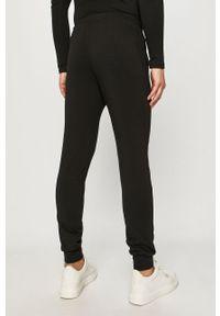 Czarne spodnie dresowe Emporio Armani z nadrukiem #4