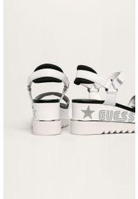 Białe sandały Guess Jeans na rzepy