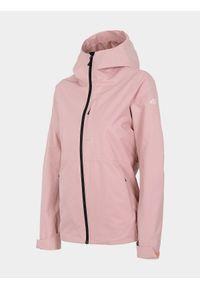 Różowa kurtka 4f