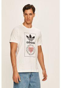 Biały t-shirt adidas Originals na co dzień, z nadrukiem, casualowy