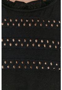 Vero Moda - Kombinezon. Okazja: na co dzień. Kolor: czarny. Materiał: tkanina. Długość rękawa: krótki rękaw. Długość: krótkie. Wzór: gładki. Styl: casual