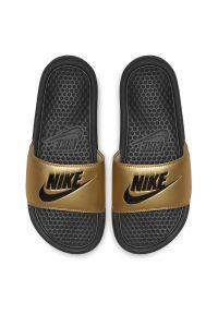 Klapki damskie Nike Benassi 343881. Okazja: na plażę. Materiał: materiał, syntetyk