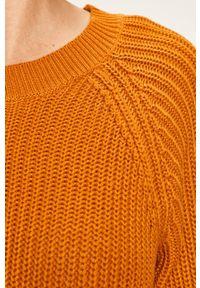 Noisy may - Noisy May - Sukienka. Okazja: na co dzień. Kolor: żółty. Materiał: dzianina. Długość rękawa: długi rękaw. Wzór: gładki. Typ sukienki: proste. Styl: casual