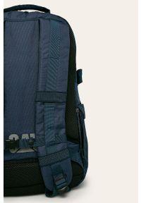 Niebieski plecak CATerpillar w paski