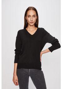 Czarny sweter Guess Jeans na co dzień, casualowy