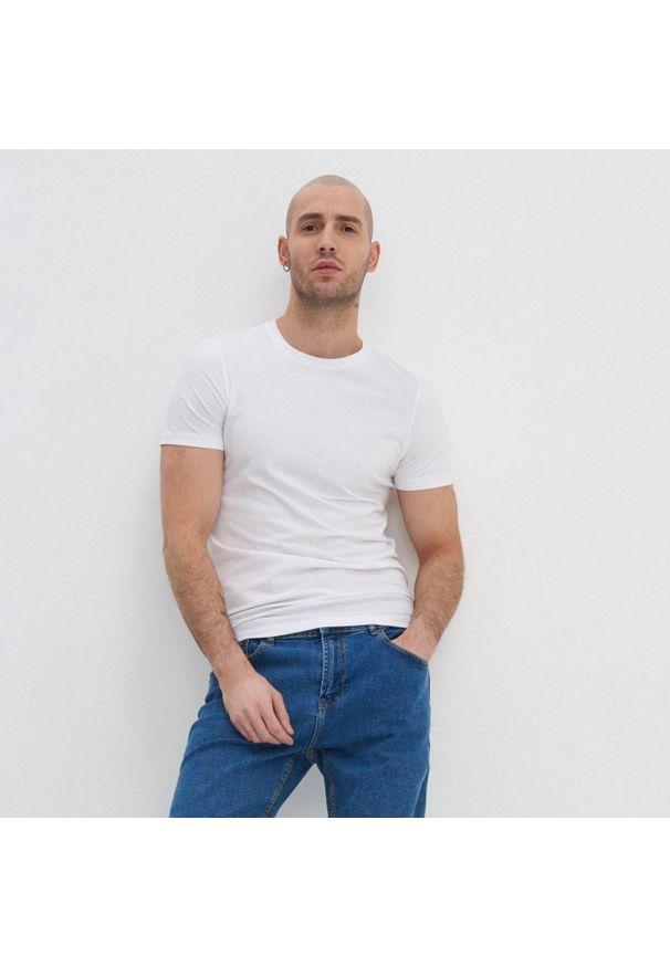House - Koszulka slim fit basic - Biały. Kolor: biały