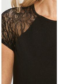 Czarna sukienka Jacqueline de Yong mini, prosta, casualowa #6