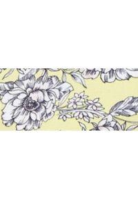 TOP SECRET - Bluzka w kwiaty z ozdobnym wiązaniem w pasie. Okazja: na co dzień. Kolor: żółty. Materiał: materiał. Długość rękawa: krótki rękaw. Wzór: kwiaty. Sezon: lato, wiosna. Styl: casual