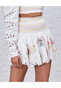 HEMANT & NANDITA - Spódnica mini z kolorowymi nadrukami. Kolor: biały. Materiał: materiał. Wzór: nadruk, kolorowy